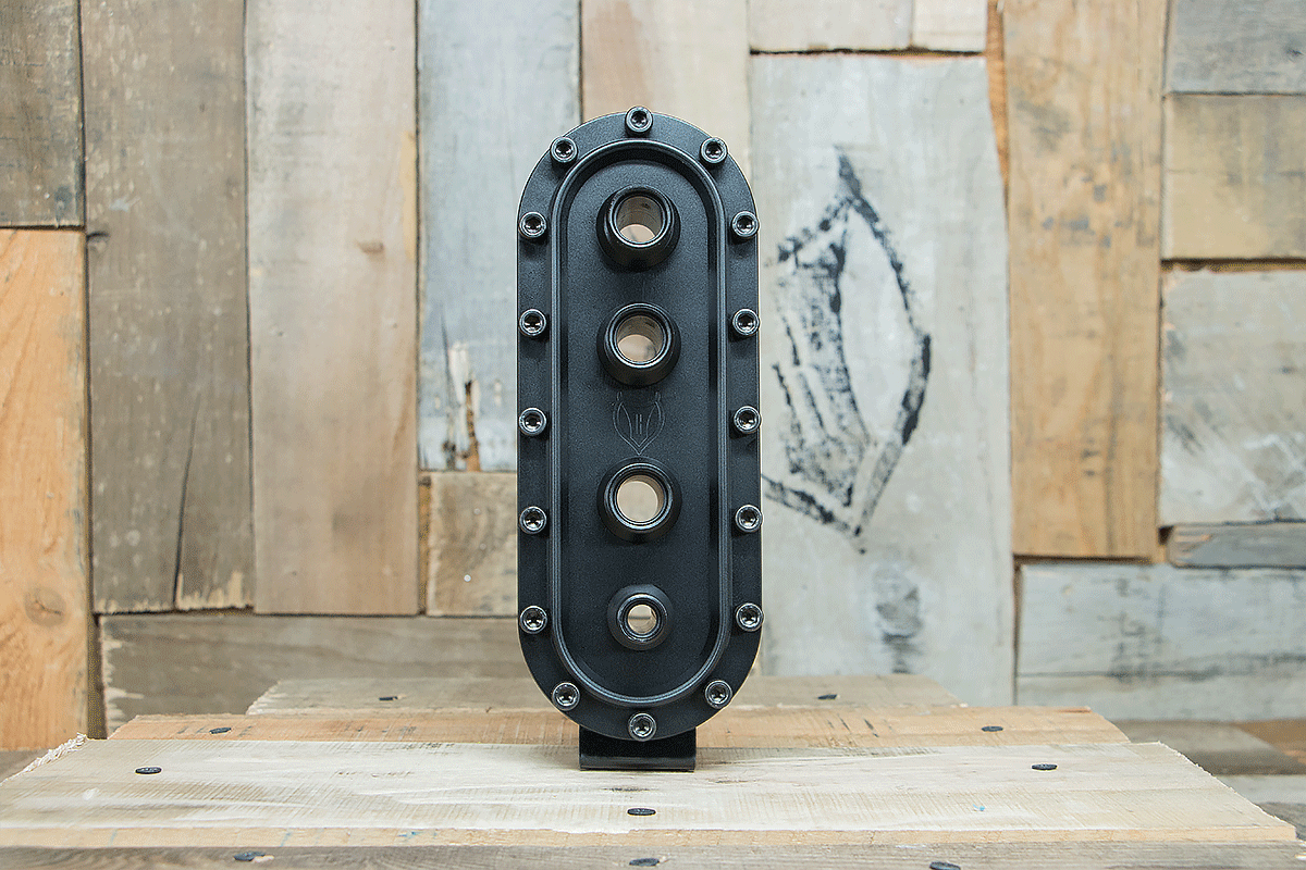 products RESTOMOD AIR BULKHEAD SYNISTER VERTICAL TRIPLE BLACK FRONT