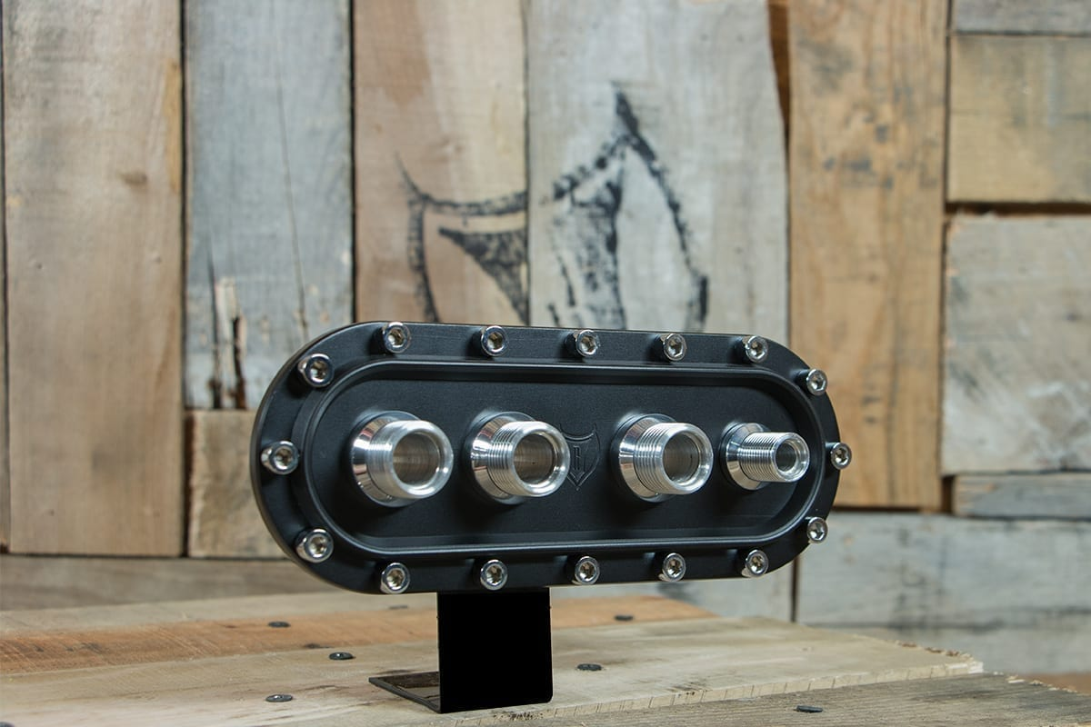 products RESTOMOD AIR BULKHEAD SYNISTER HORIZONTAL POLISHED CAP RIGHT