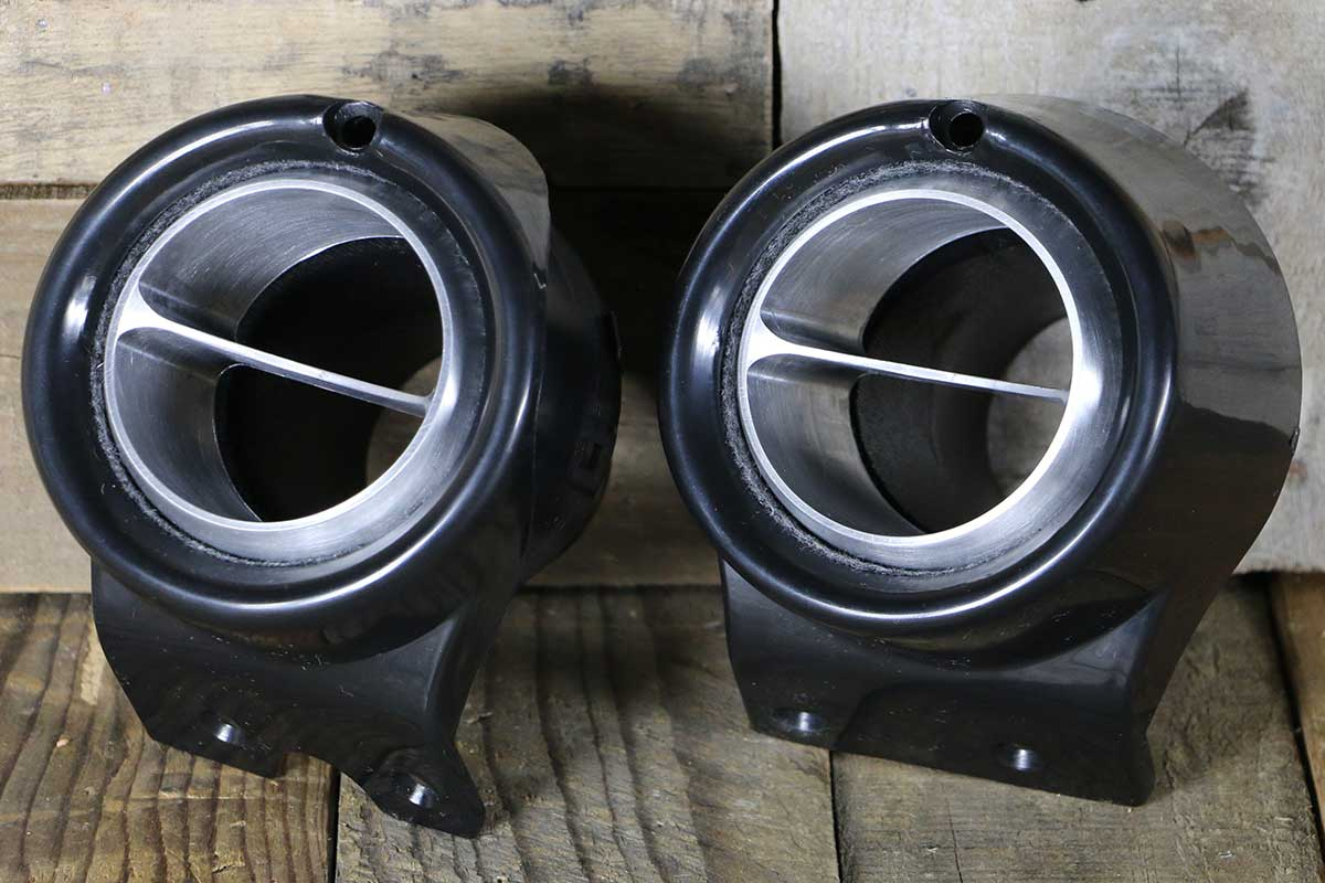 C VENTS WITH BLACK BEZEL SATIN LEFT