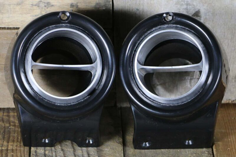C VENTS WITH BLACK BEZEL SATIN STRAIGHT