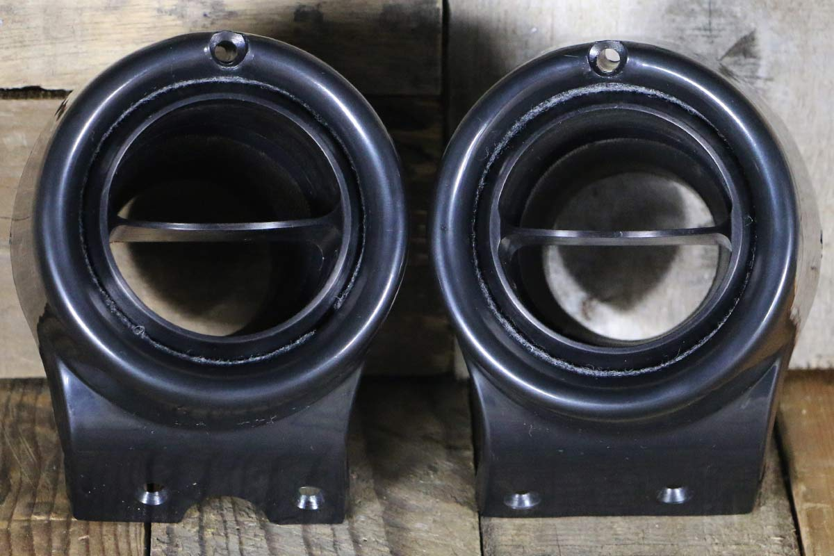 C VENTS WITH BLACK BEZEL SYNISTER BLACK STRAIGHT