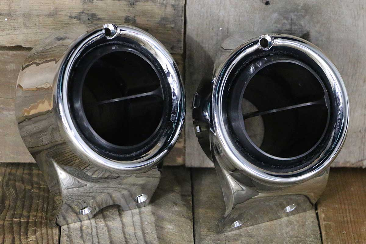 C VENTS WITH CHROME BEZEL SYNISTER BLACK RIGHT