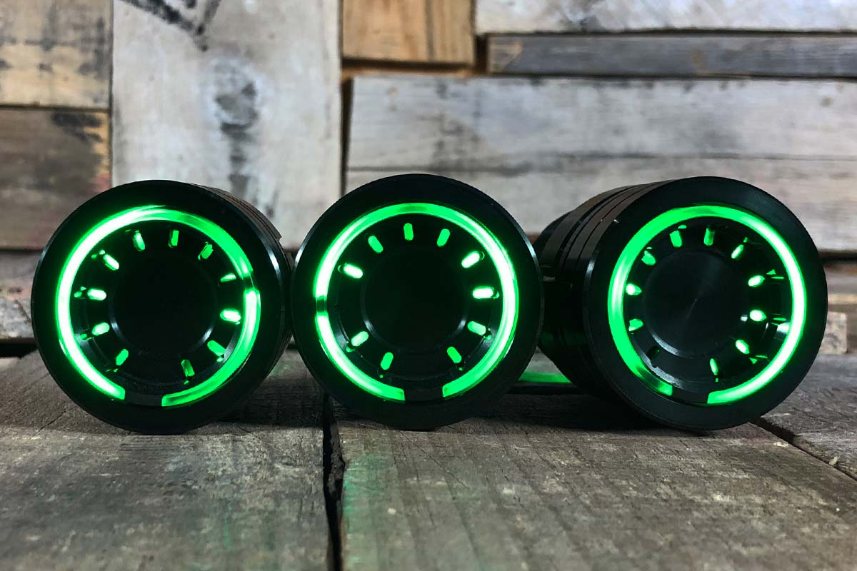 pods green light synister black 1