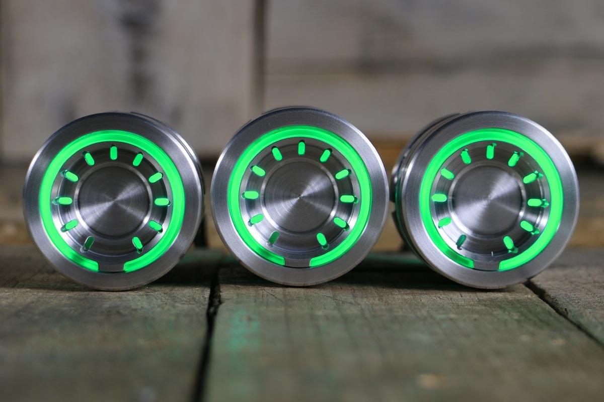 pods satin green light straight