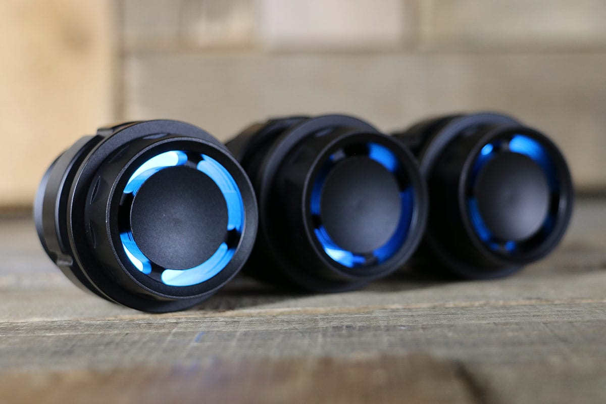 REACTOR PODS SYNISTER BLACK CYAN LED RIGHT